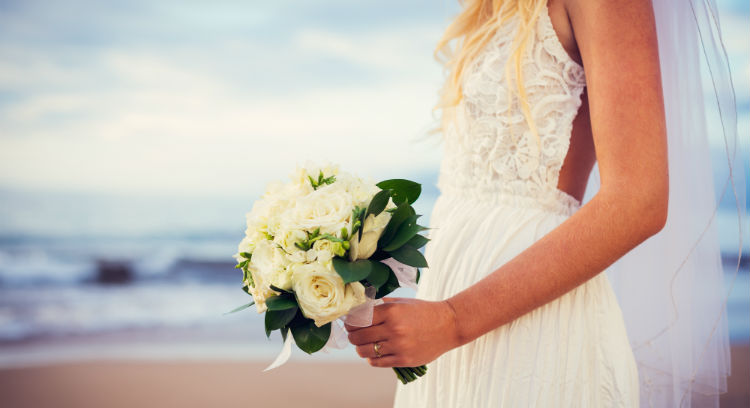 Wedding dress for a sunny wedding destination