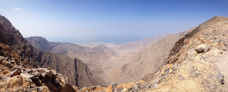 hajar mountain area in dubai