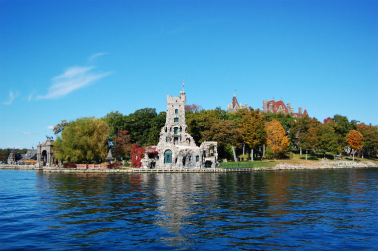 Boldt Castle and Alster Tower in Thousand Islands New York.jpg