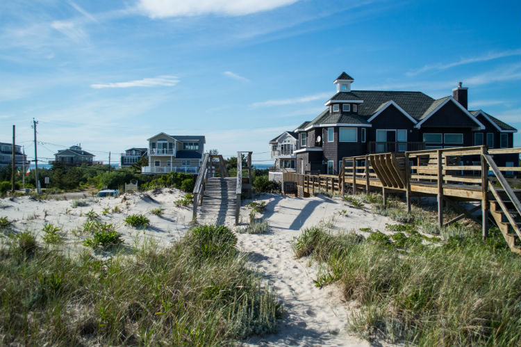 Beach Houses – Summer in the Hamptons USA.jpg